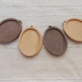 4 p unfinished wooden oval pendant base with 30x 40 mm frame with loop