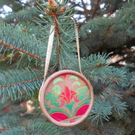 1 pc Ready made Christmas decoration – Antiqued wooden and textile decoration