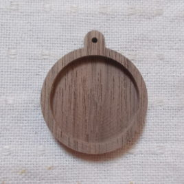 1 p  wooden round pendant base with 30 mm cabochon frame